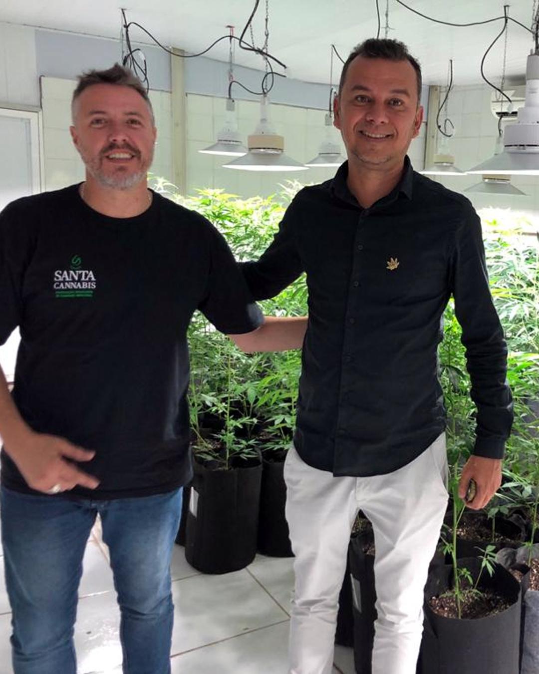 Santa Cannabis e Abrace Esperança assinam termo de cooperação técnico-científica